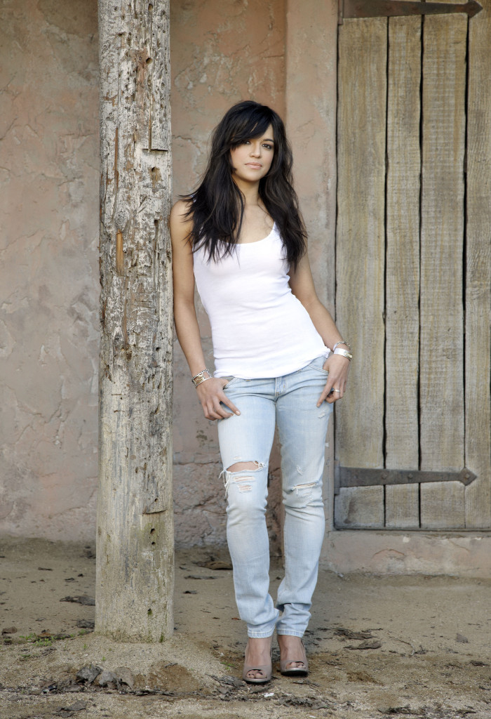 fast-furious-photoshoot-michelle-rodriguez-5405935-1401-2048