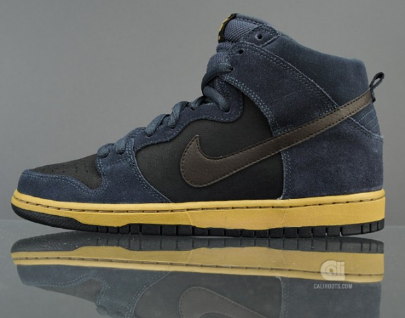 Nike SB Dunk High Pro Suede Canvas (Side)