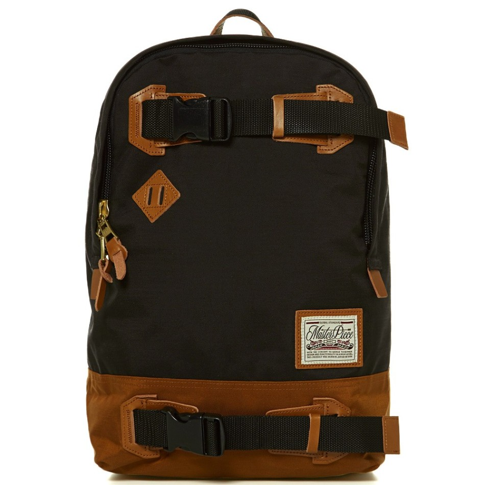 18-07-2013_masterpiece_buddybackpack_black1