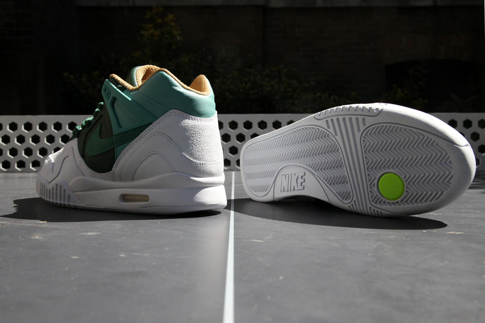 Nike-Air-Tech-Challenge-2-White-Green-3