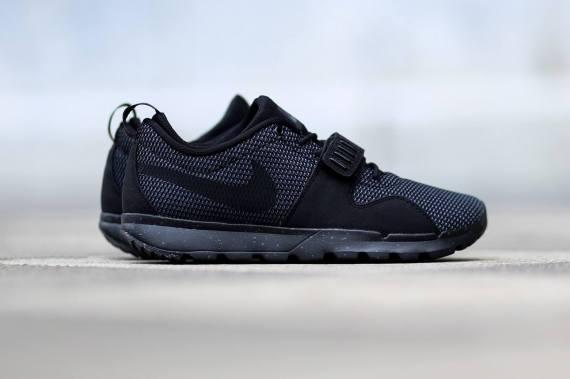 nike-sb-trainerendor-black-dark-grey-02-570x379
